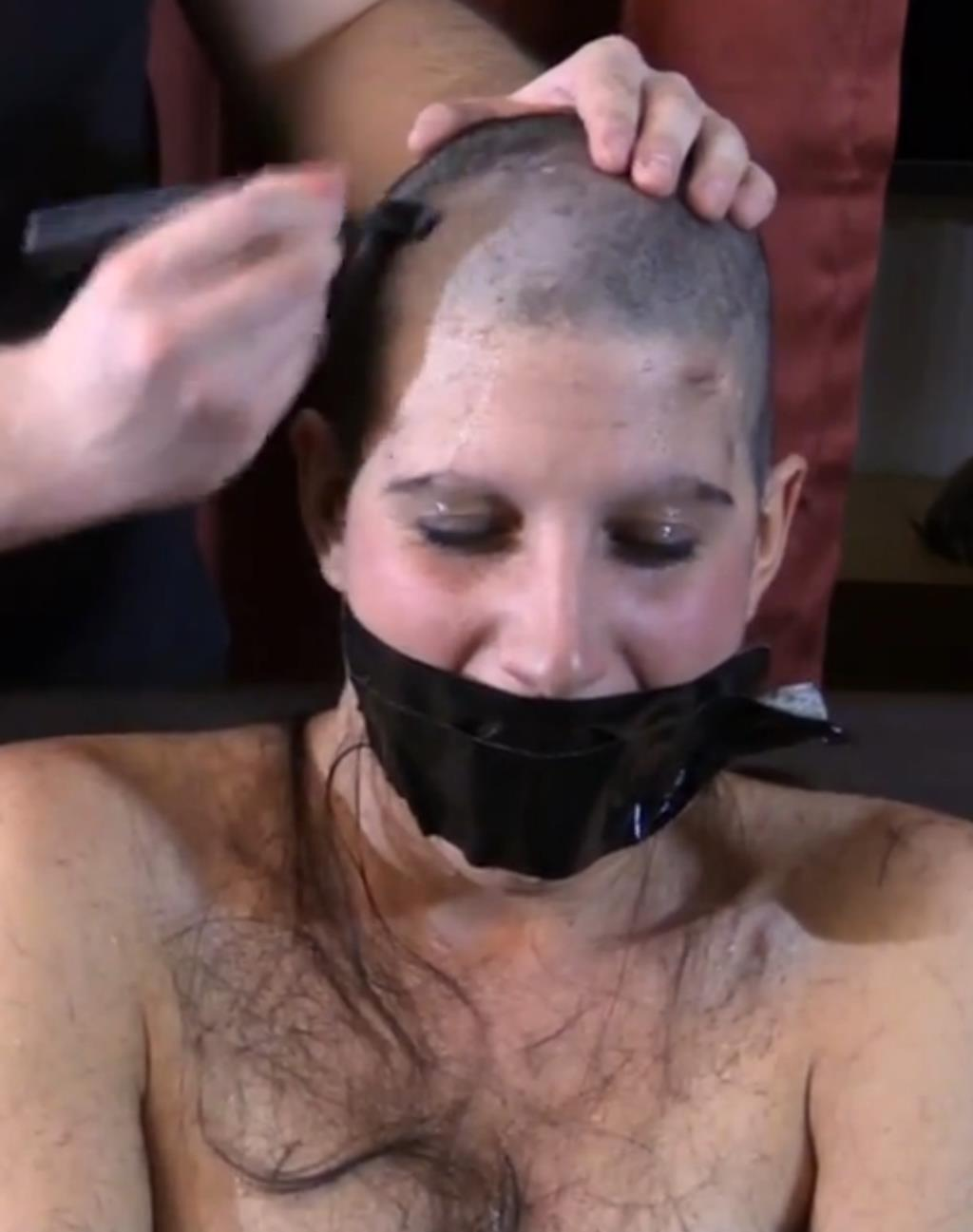Headshave Slave